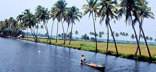 kollam_backwaters_