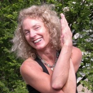 Interview With :    Amy Weintraub, Founding Director of the LifeForce Yoga Healing Institute
